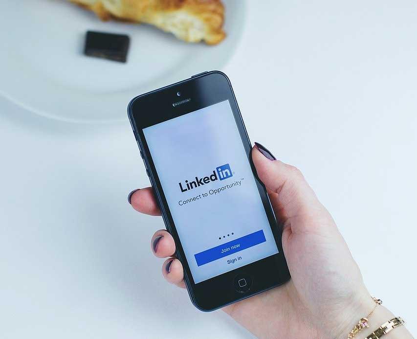 Come migliorare l'efficacia del profilo LinkedIn e trovare lavoro